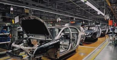 O şirket benzinli ve dizel araba üretmeyi durduruyor!