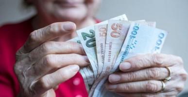 Emeklilere Müjdeli Haber! Toplamda 2200 TL Nakit Ödeme Yapılacak! Tüm Emeklileri Kapsayan Haber